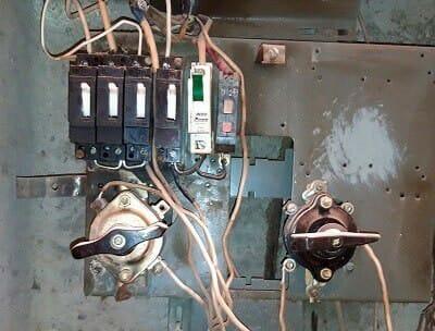 Новосибирск, услуги профессионального электрика недорого, без выходных