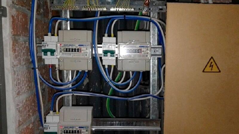 Вызов профессионального электрика на дом, недорого в Новосибирске