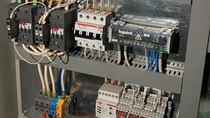 Только лучшие услуги электрика в Новосибирске