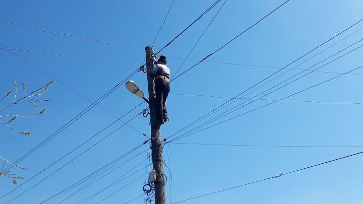Подключение электричества проводом СИП на опоре